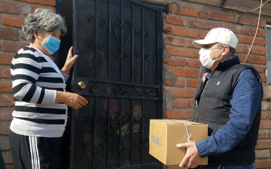 Gobierno Municipal de Cananea, a través de La Dirección de Desarrollo Social, hace sinergia con el Gobierno del Estado para beneficiar a 300 familias con un Paquete Alimentario.