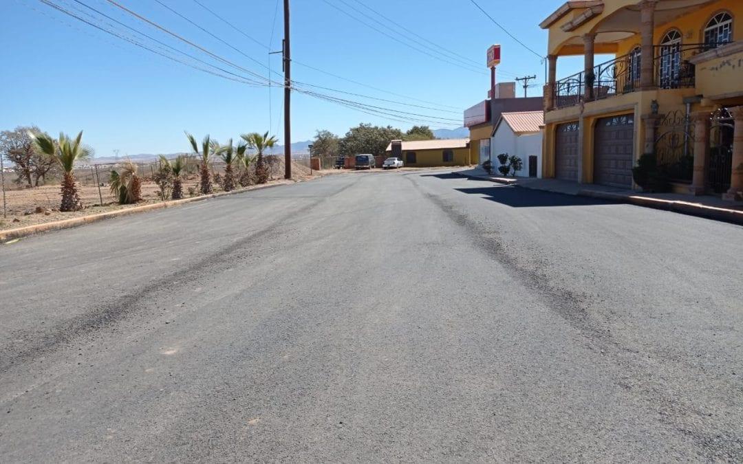 Obras de mejoramiento en el acceso principal de la Colonia Mártires de Cananea.