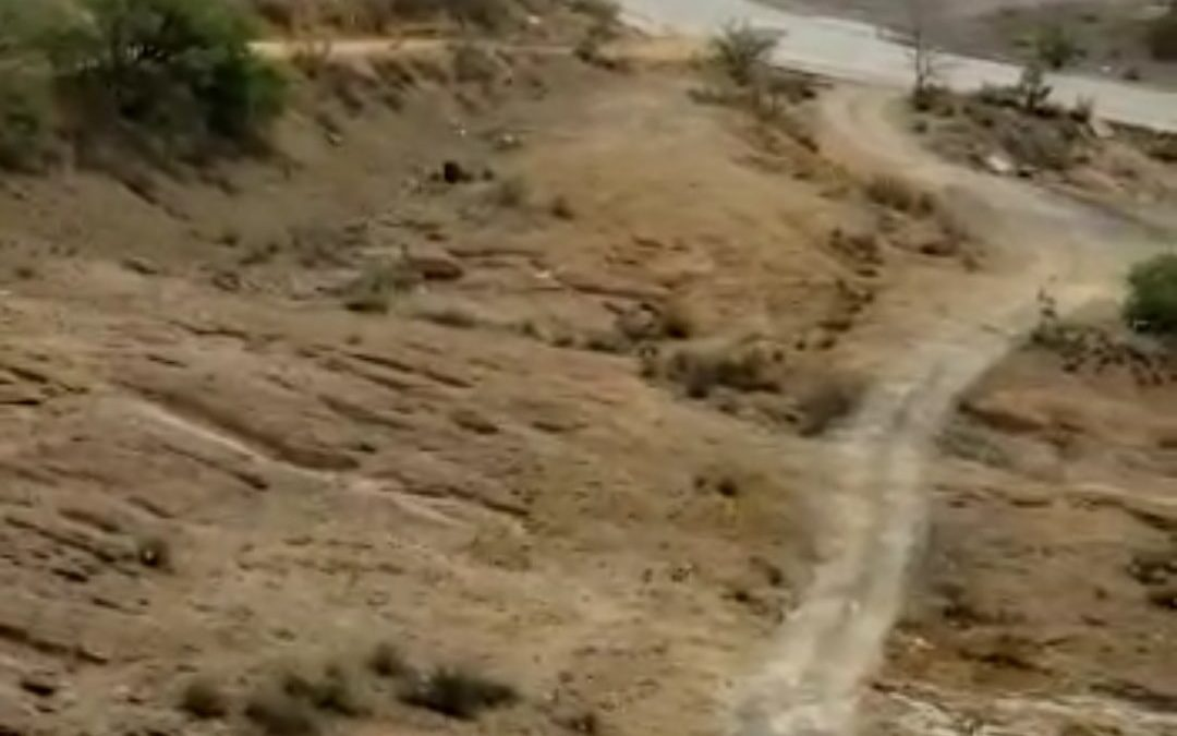 Trabajos de reparación del camino y acceso a viviendas ubicadas junto a lo que fuera «El Grasero» en el camino Libramiento.
