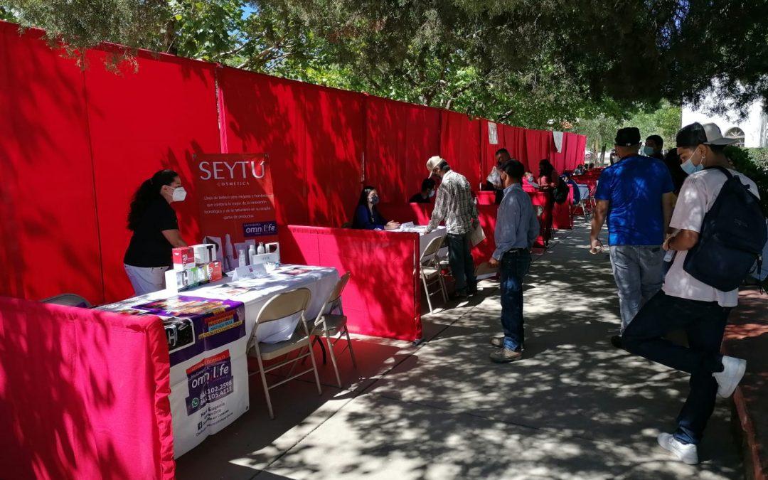 Este 24 agosto desde la Coordinacion de  Desarrollo Económico, se realizó la Feria Nacional del Empleo 2021 en la explanada de la  Plaza Jardín Juárez, de Cananea donde se ofertaron más de 60 vacantes en poco más de 14 empresas.